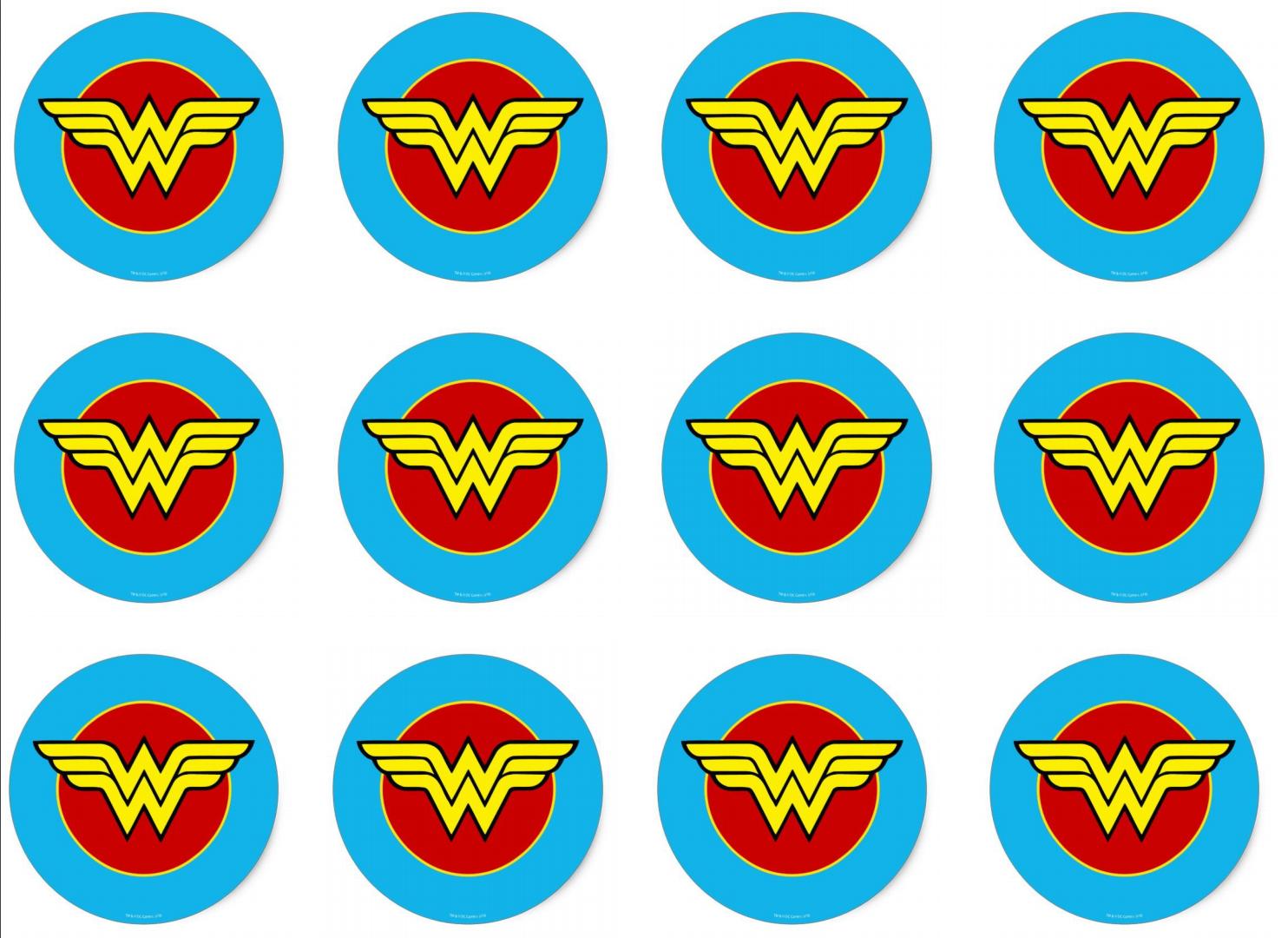 Superhero Wonder woman birthday, Superhero cupcake