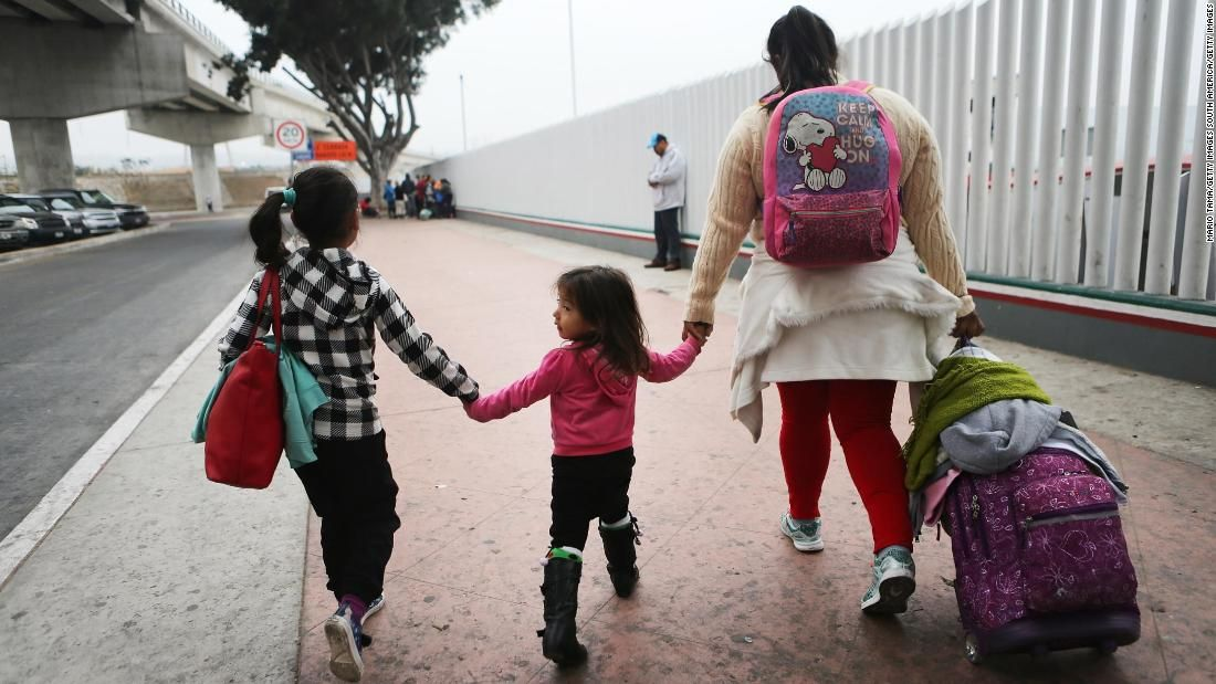 Hundreds of separated children not reunited amid slow