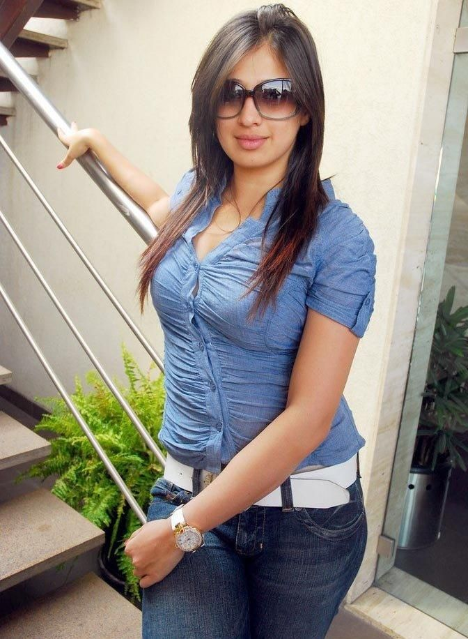 hot girls photo Pakistani jeans