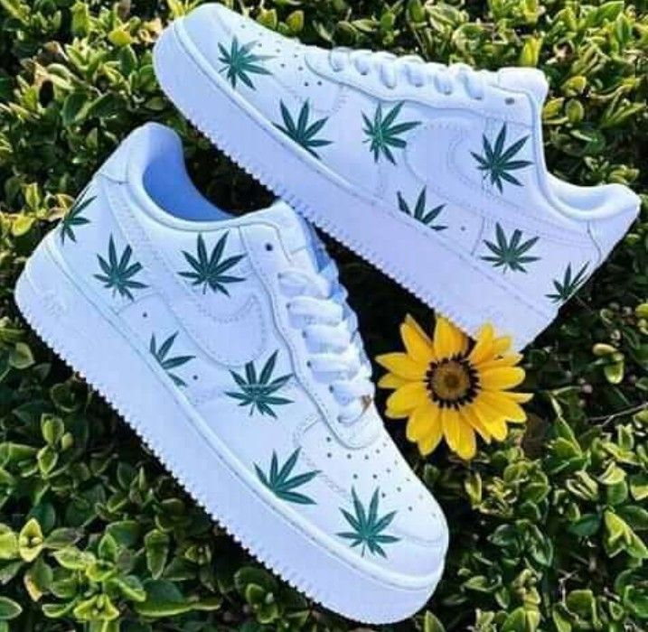 Pin by Ира Шапошник on mîøs in 2020 | Hype shoes, Custom ...