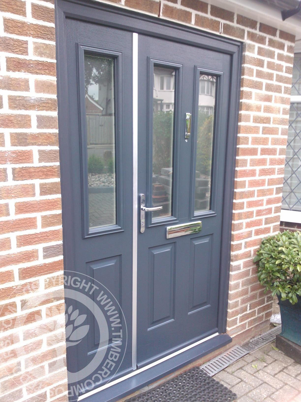 Striking solidor ludlow composite door with matching side for Front door and frame
