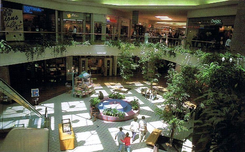 Vallco Fashion Park Mall In Cupertino At Stevens Creek