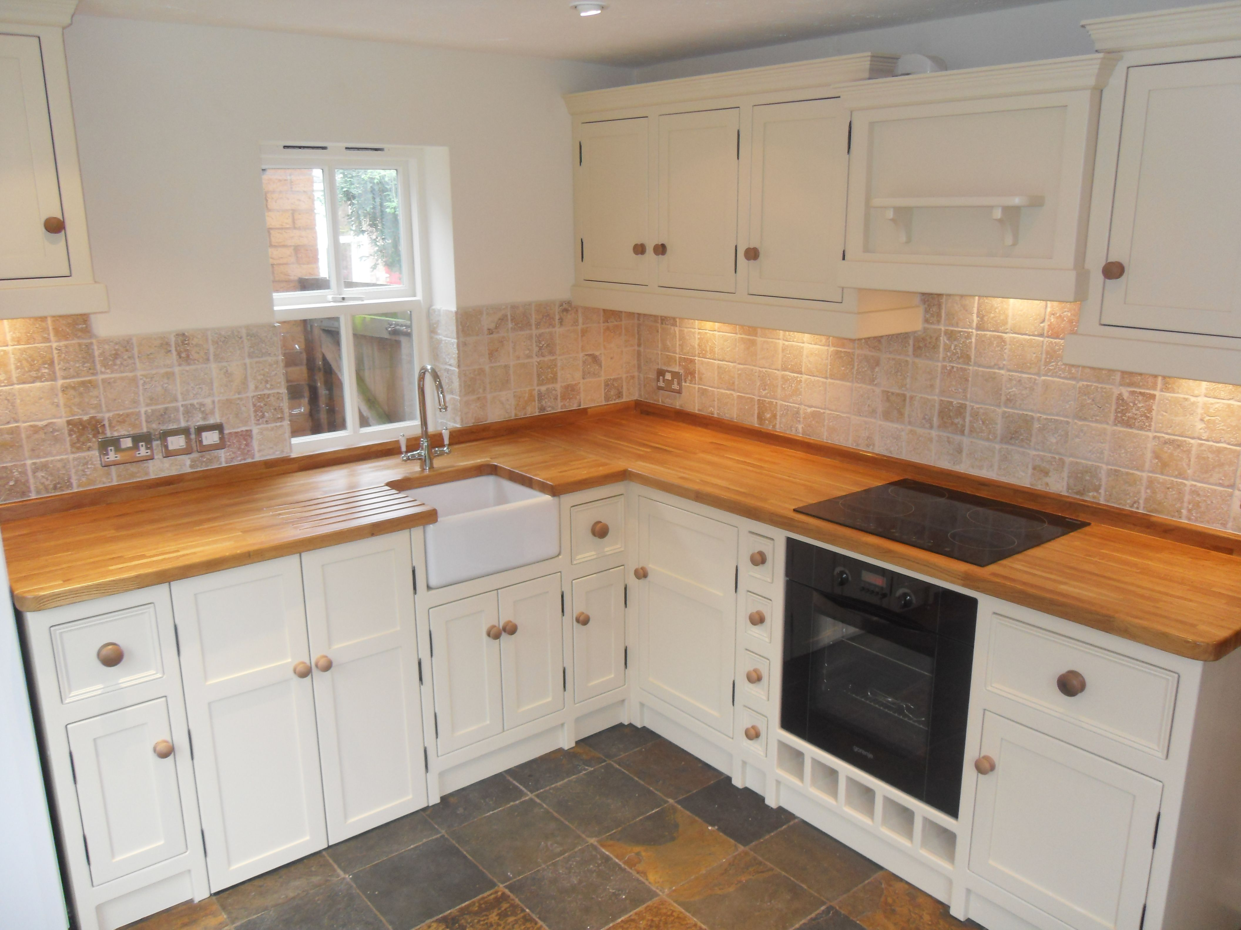 Some Homes Just Don T Have A Huge Amount Of Space For Their Kitchens But Fear Not With Car Pine Kitchen Cabinets Rustic Kitchen Cabinets Knotty Pine Kitchen