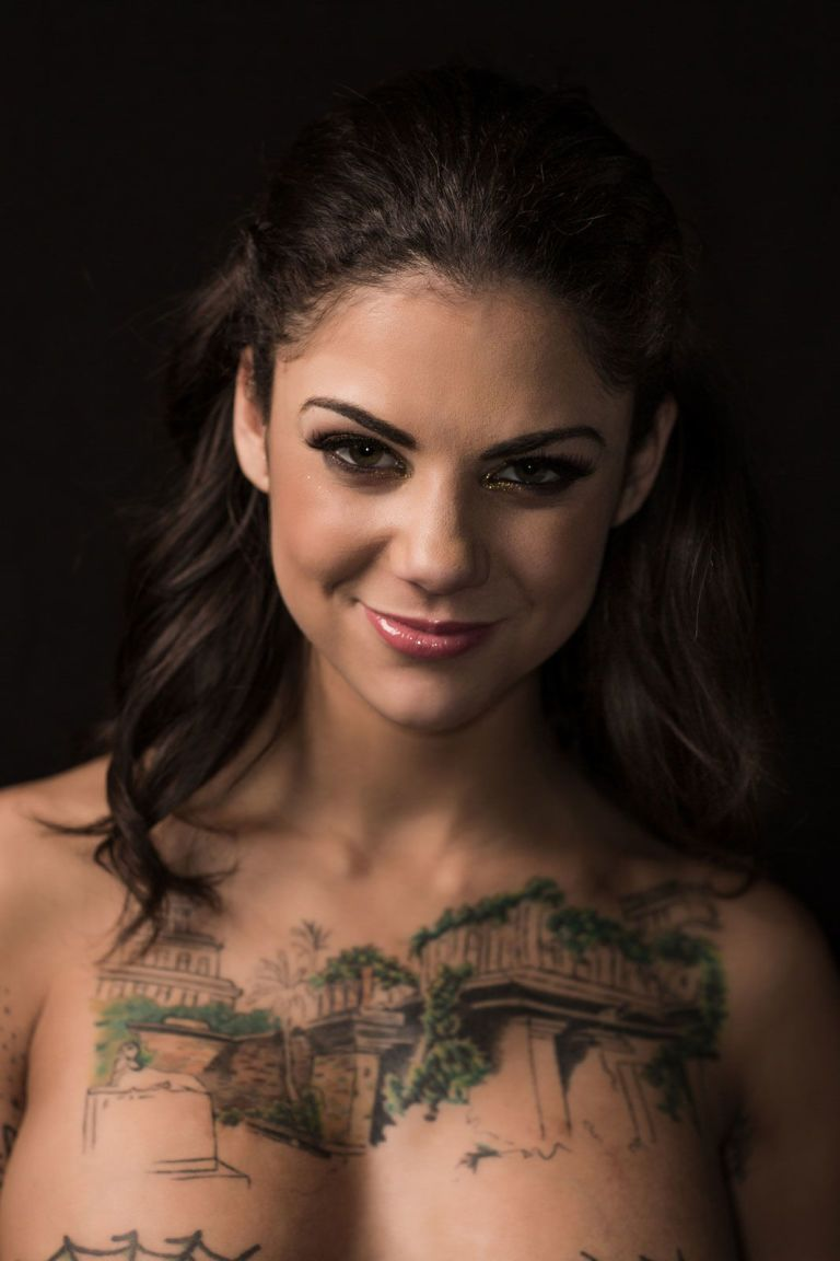13 Beautiful Portraits That Show What Porn Stars Really -3348
