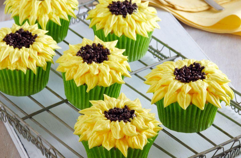Sunflowers Cupcakes | Snack Recipes | GoodtoKnow
