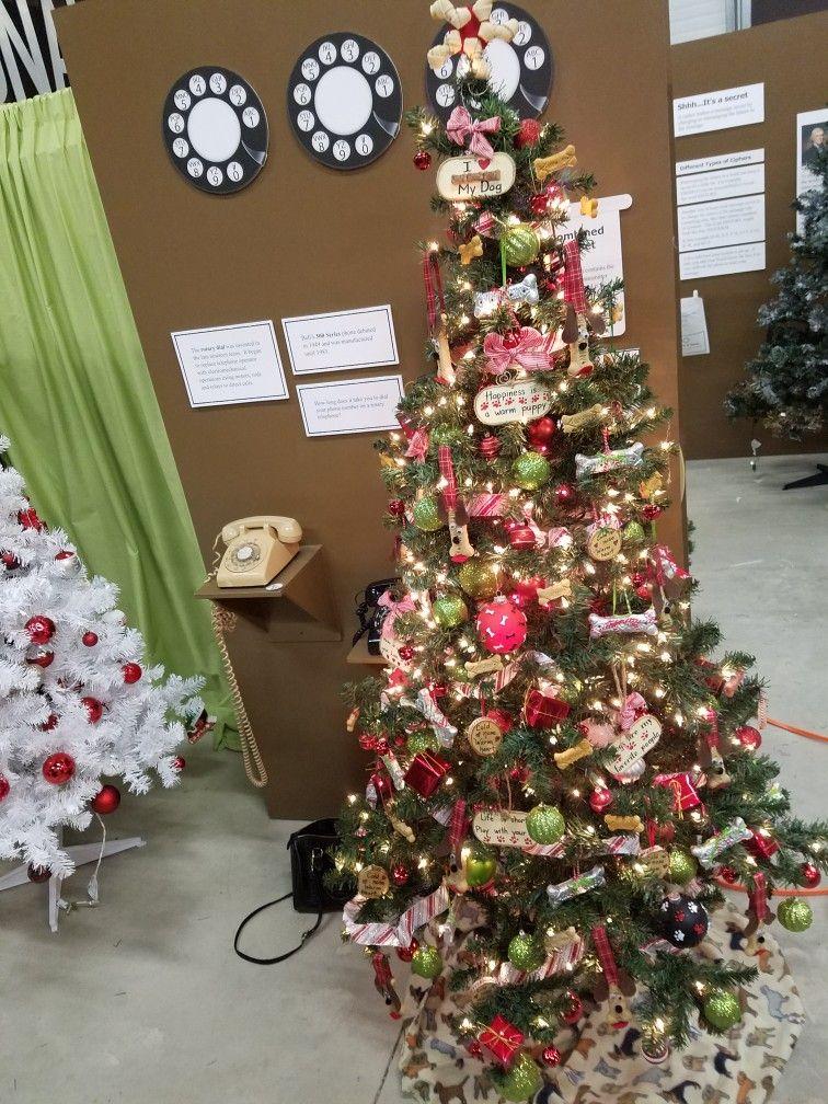 Dog Themed Christmas Tree Christmas Tree Themes Cat Christmas Tree Christmas Tree Festival