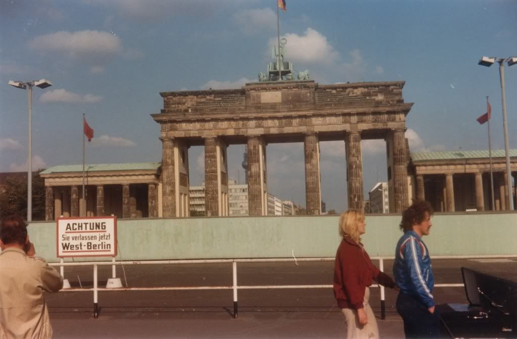 1979 Berlin Brandenburger Tor Mit Berliner Mauer Berlin East Germany Germany