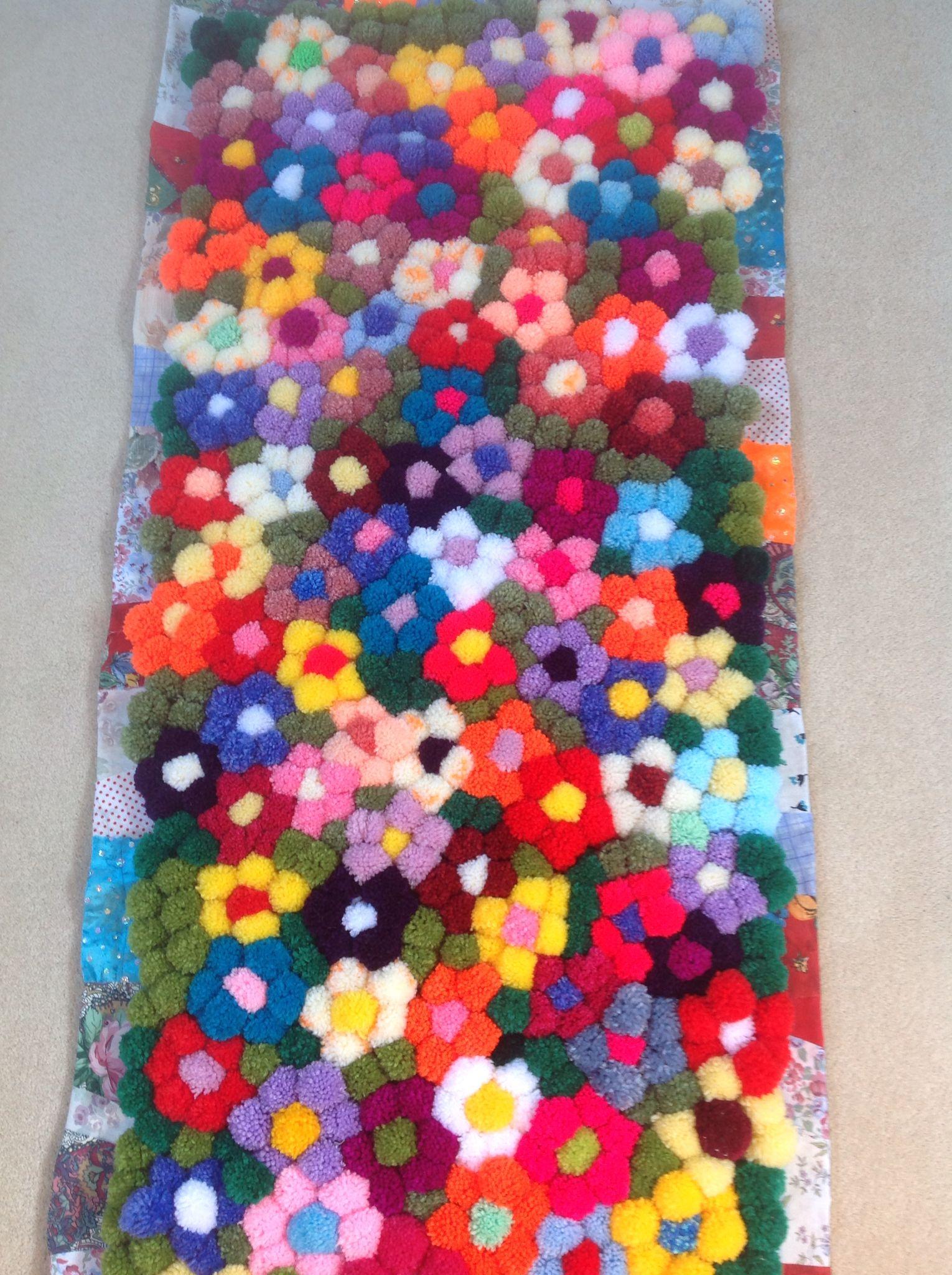 how to make yarn pom poms rug