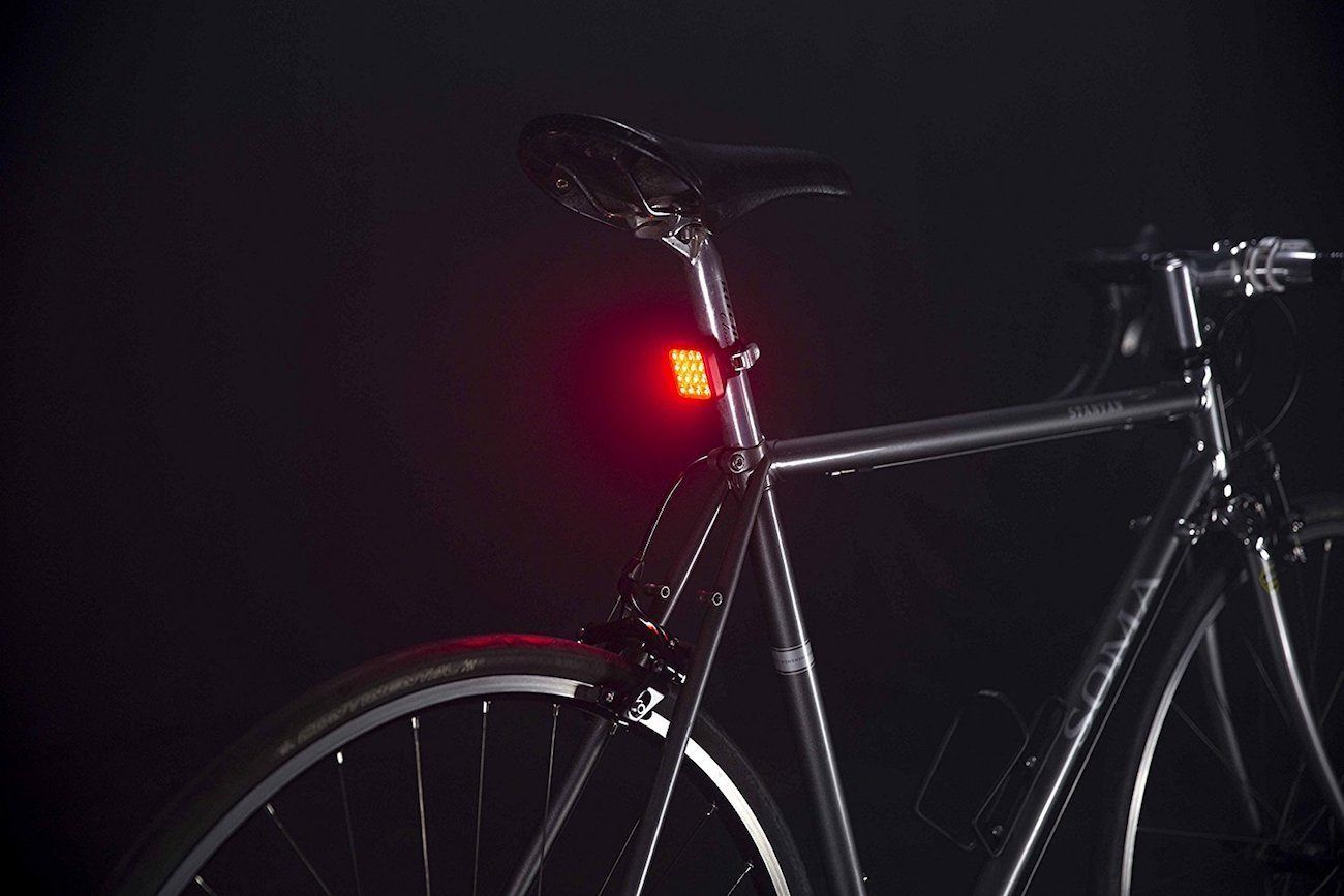 In Addition This Gives You 1 200 Meters Of Visibility Fahrrad Licht Und Seen