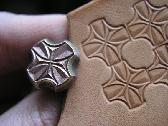 014-03 Lat CROSS II. leather stamp Saddlery homemade Tool Punch 3D Brass #homemadetools