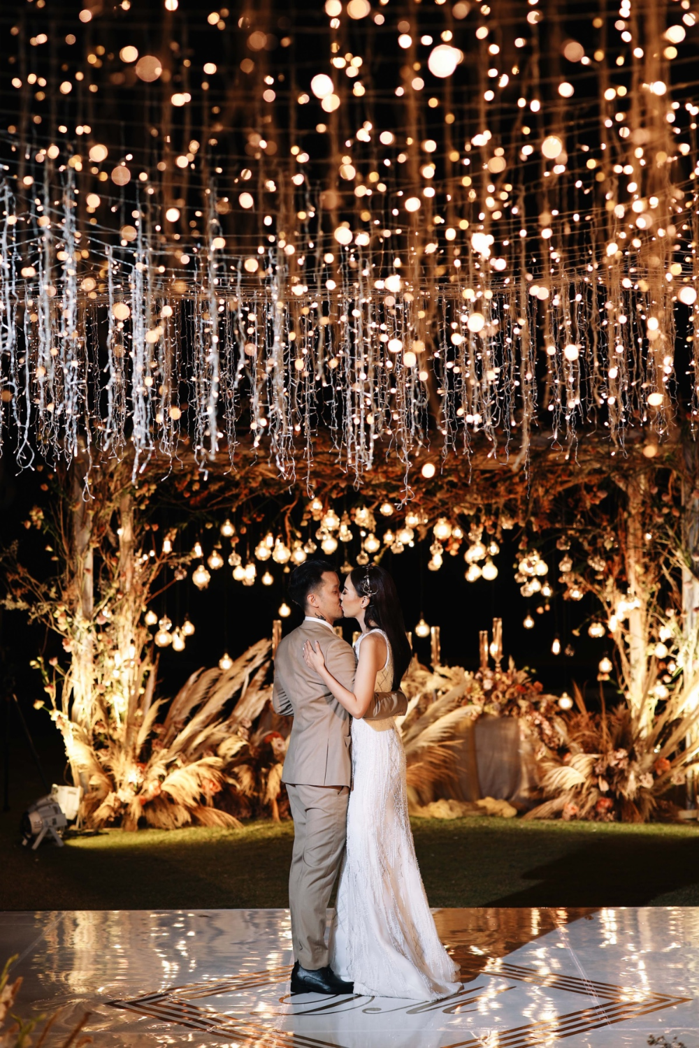 A Wedding In Bali With A Major Wow Factor In 2020 Bali Wedding Wedding Lights Enchanted Garden Wedding