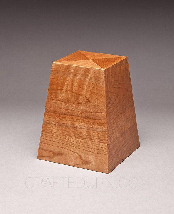 Urne d'incinération  urn obélisque Cherry par NOOKDESIGN sur Etsy, $199.00