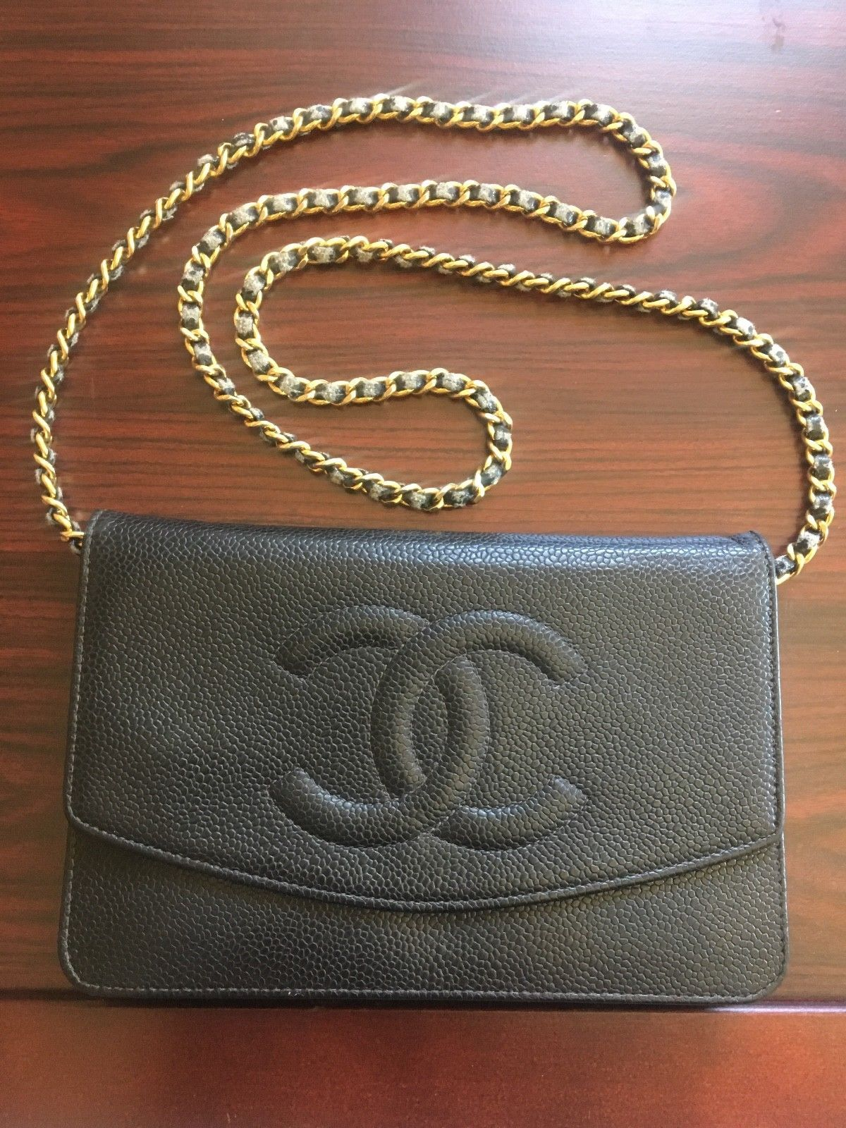 0af4637059d9 CHANEL CC logo Used Black Authentic Wallet on Chain bag Crossbody/Caviar  Leather