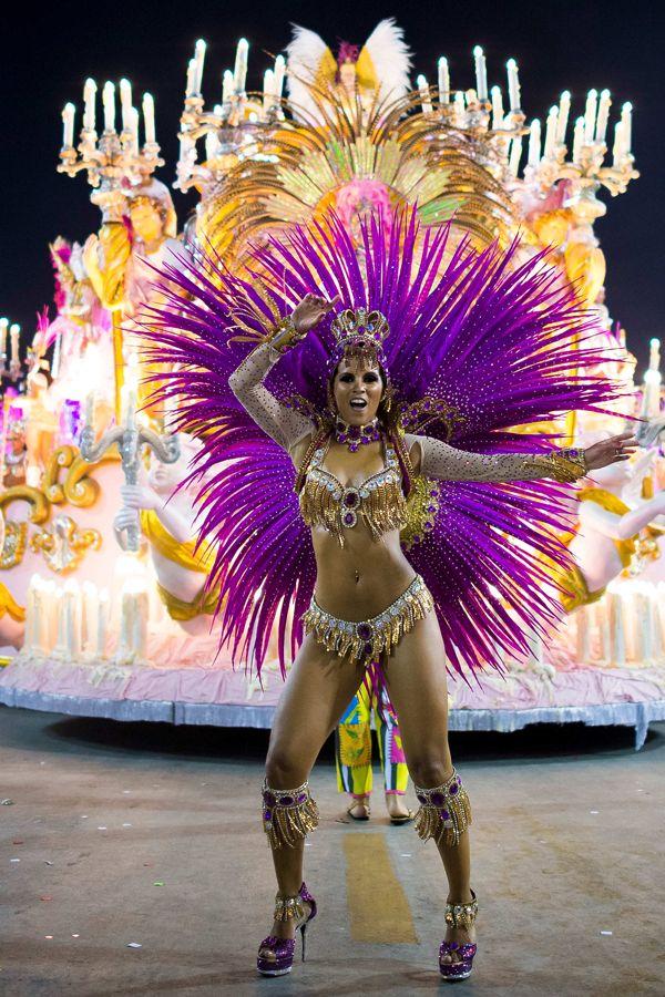 13 Fabulous Costumes From The Rio De Janeiro Carnival Brazilian