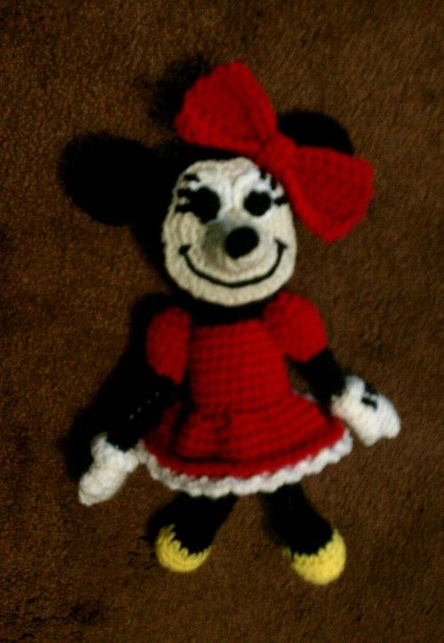 Just Stitched: Free Pattern: Minnie Mouse | crochet | Pinterest ...
