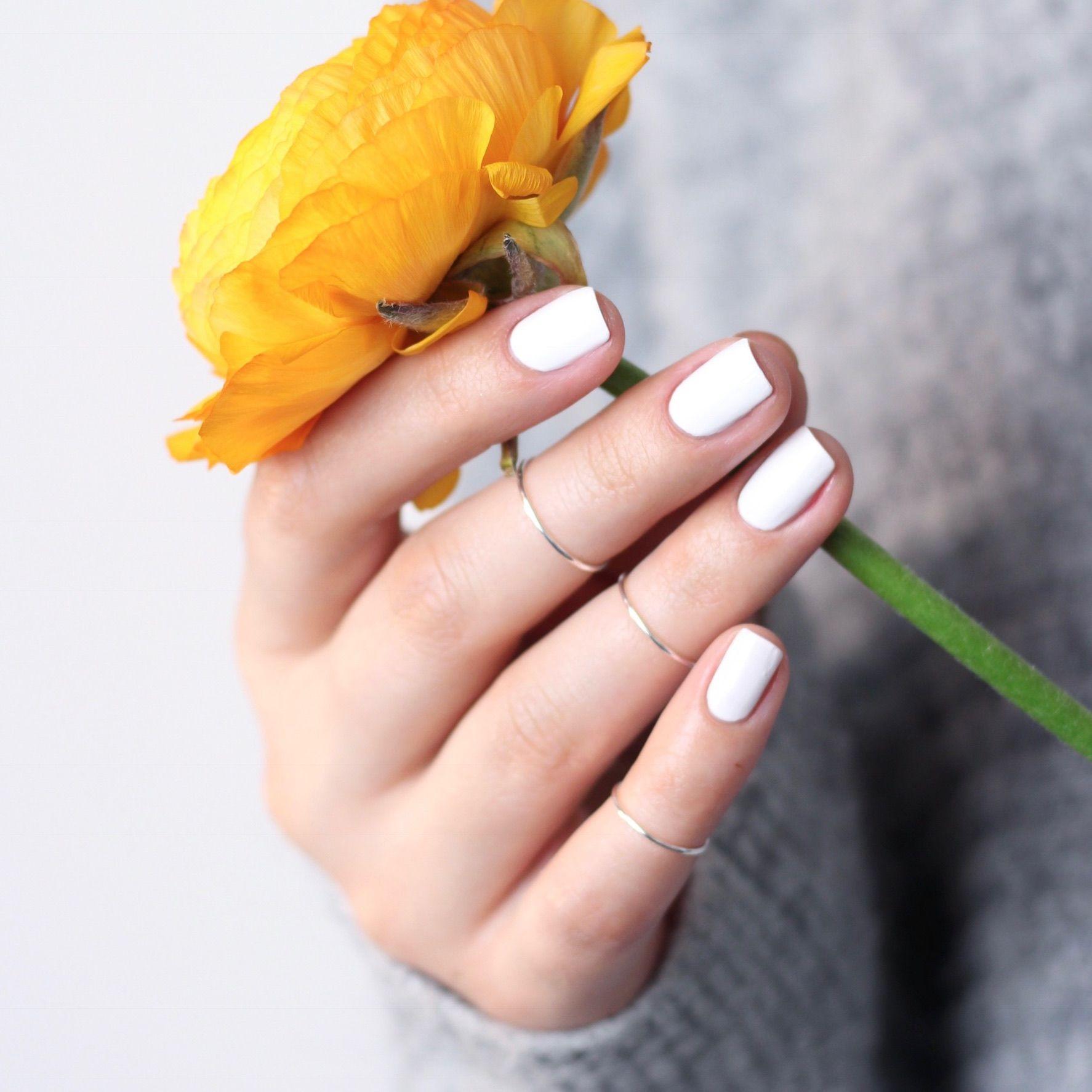 Weißer Nagellack ♥ erhältlich bei Douglas. White Nailpolish Nail ...