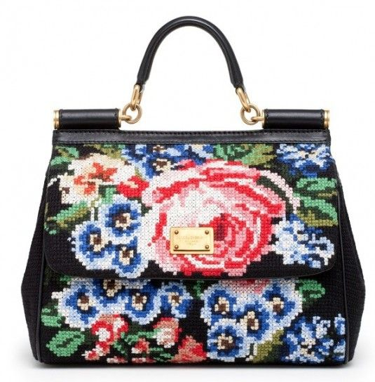 Borsa Dolce   Gabbana  Miss Sicily a punto croce con rose  126ac32d6ad