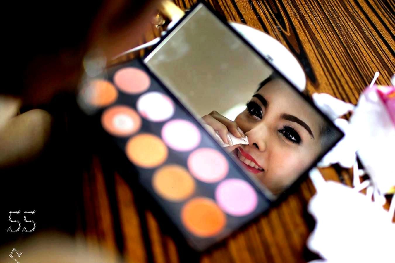 Stage Makeup Mistakes to Avoidavoid5 Stage Makeup Mistakes to Avoidavoid Eyebrow makeup Tips picture 3 20 Questions about My Character can be a great tool for young actor...