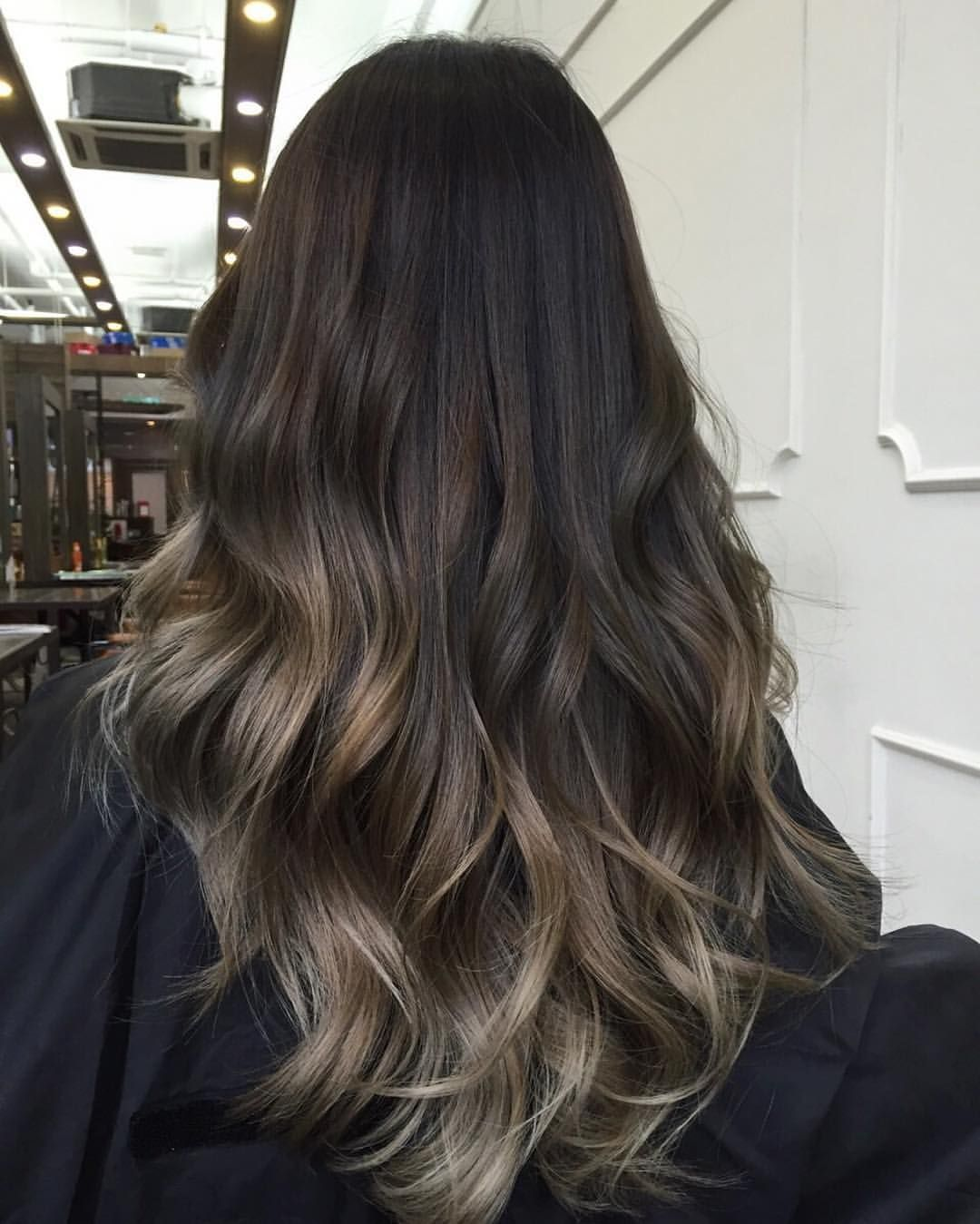 Koyu ve Gölgeli Saç Renkleri