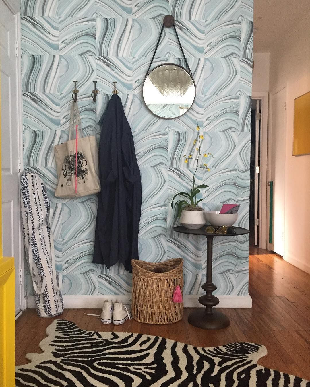A Stunning Entryway With Our Metamorphic Peel And Stick Temporary Wallpaper Temporary Wallpaper Wallpaper Home Decor