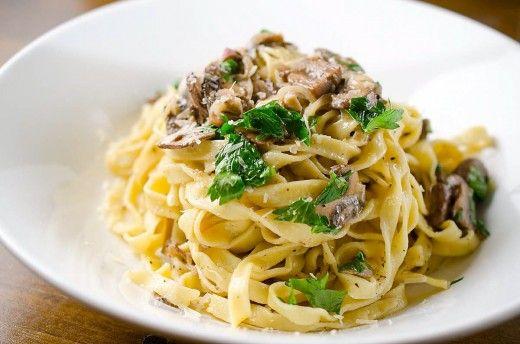 Fresh Pasta With Mushroom Cream Sauce Resep Masakan Resep Pasta Resep Makanan