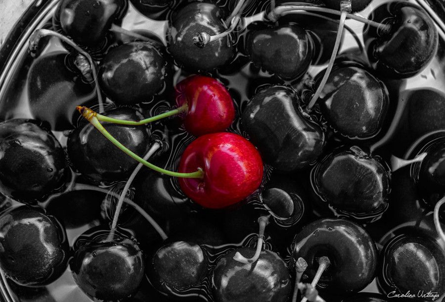 Cherries - Cerezas por Carolina Urtiaga