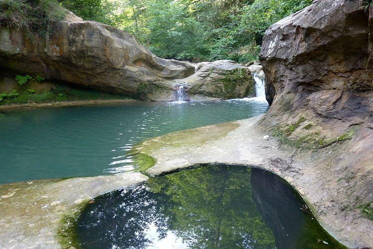 La Fontaine des amours. Non loin de la station thermale de ...