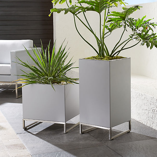 Clearance Outdoor Furniture And Decor Crate And Barrel 400 x 300
