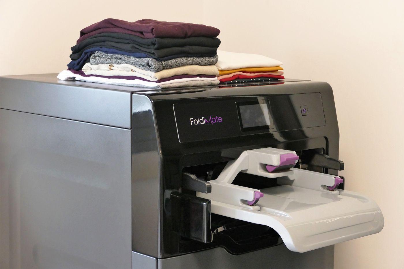 Foldimate S Laundry Folding Machine Actually Works Now Home Folding Machine Folding Laundry Laundry