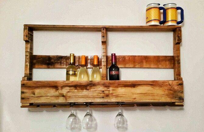 Vinoteca con palets vinotecas y bares pinterest - Muebles para poner botellas de vino ...