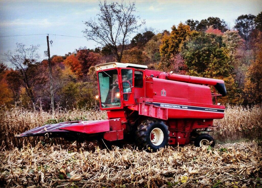 IH combine Tractors, Farm, Harvest