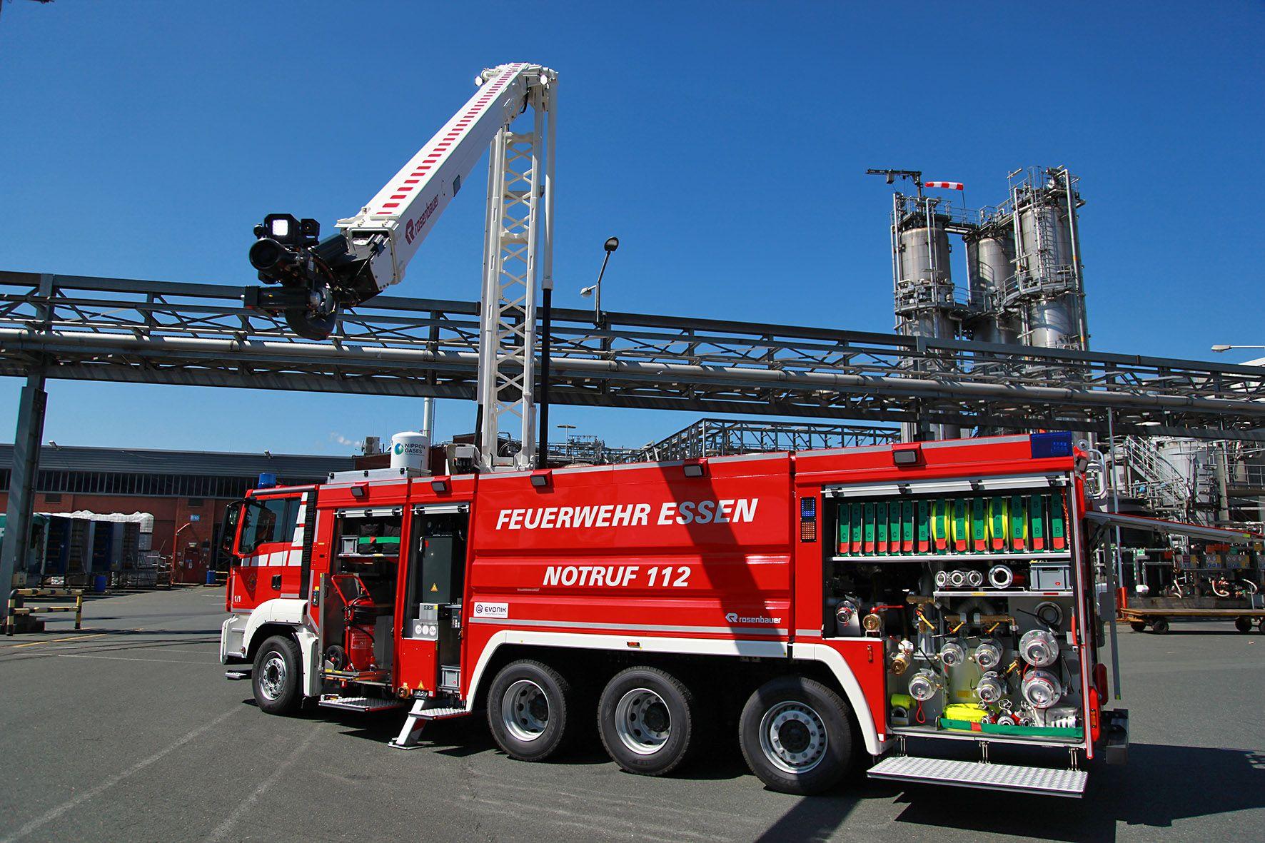 Kostenfreies Loschfahrzeug Der Besonderen Art Https Fwc News Custom By Source 0 Feuerwehr Wirliebenfeuerwehr In 2020 Feuerwehr Feuerwehr Essen Loschfahrzeug