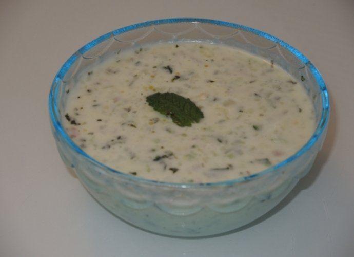 Salsa de yogur con menta y pepino (Tzatziki) para #Mycook http://www.mycook.es/cocina/receta/salsa-de-yogur-con-menta-y-pepino-tzatziki