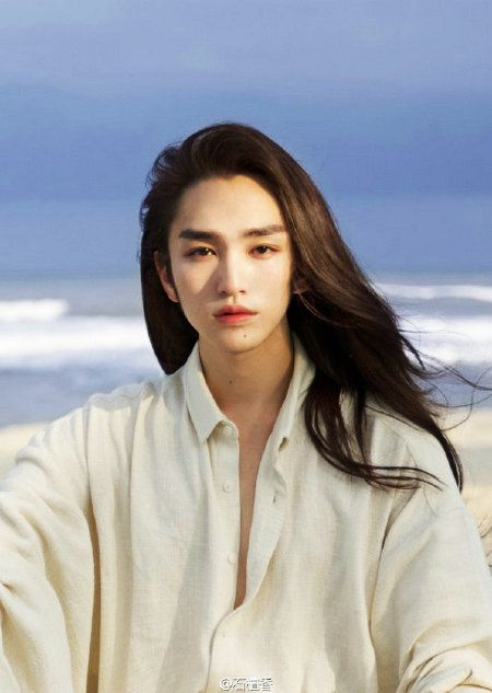 Soft Or Tough Standard Of Handsome Men In Ancient China 2 People S Daily Online Long Hair Styles Men Long Hair Styles Portrait