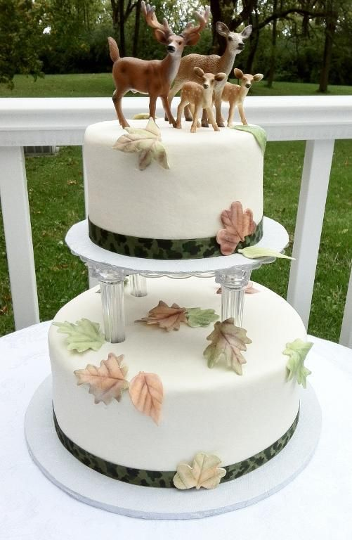 Hunting wedding cakes pictures