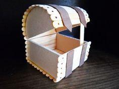 Baú com palitos de picolés reciclados é lindo e faz o maior sucesso (Foto: renatavernisi.blogspot.com.br)