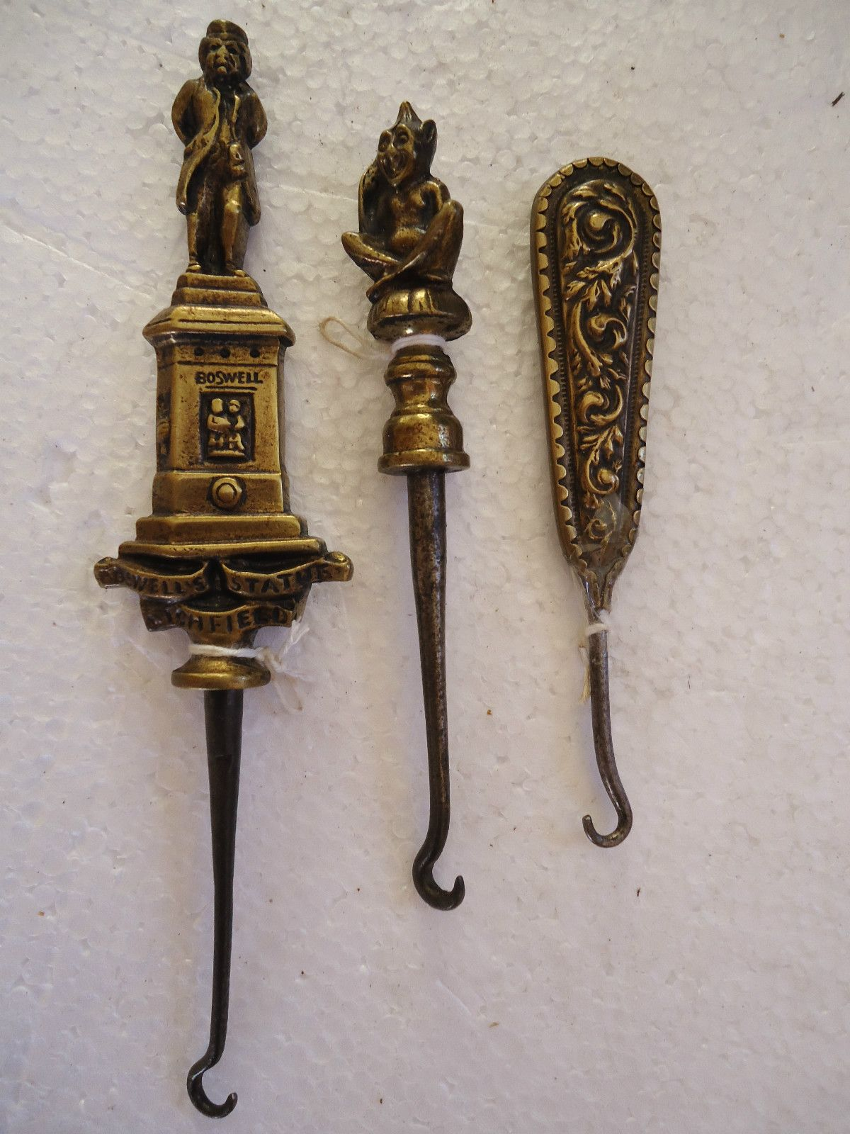 Antique Collectors boot lacer Stamped GROSVENOR AMERITH Ladies Vintage Shoe Button hook Metal Beautiful Green Handle Old Fashion