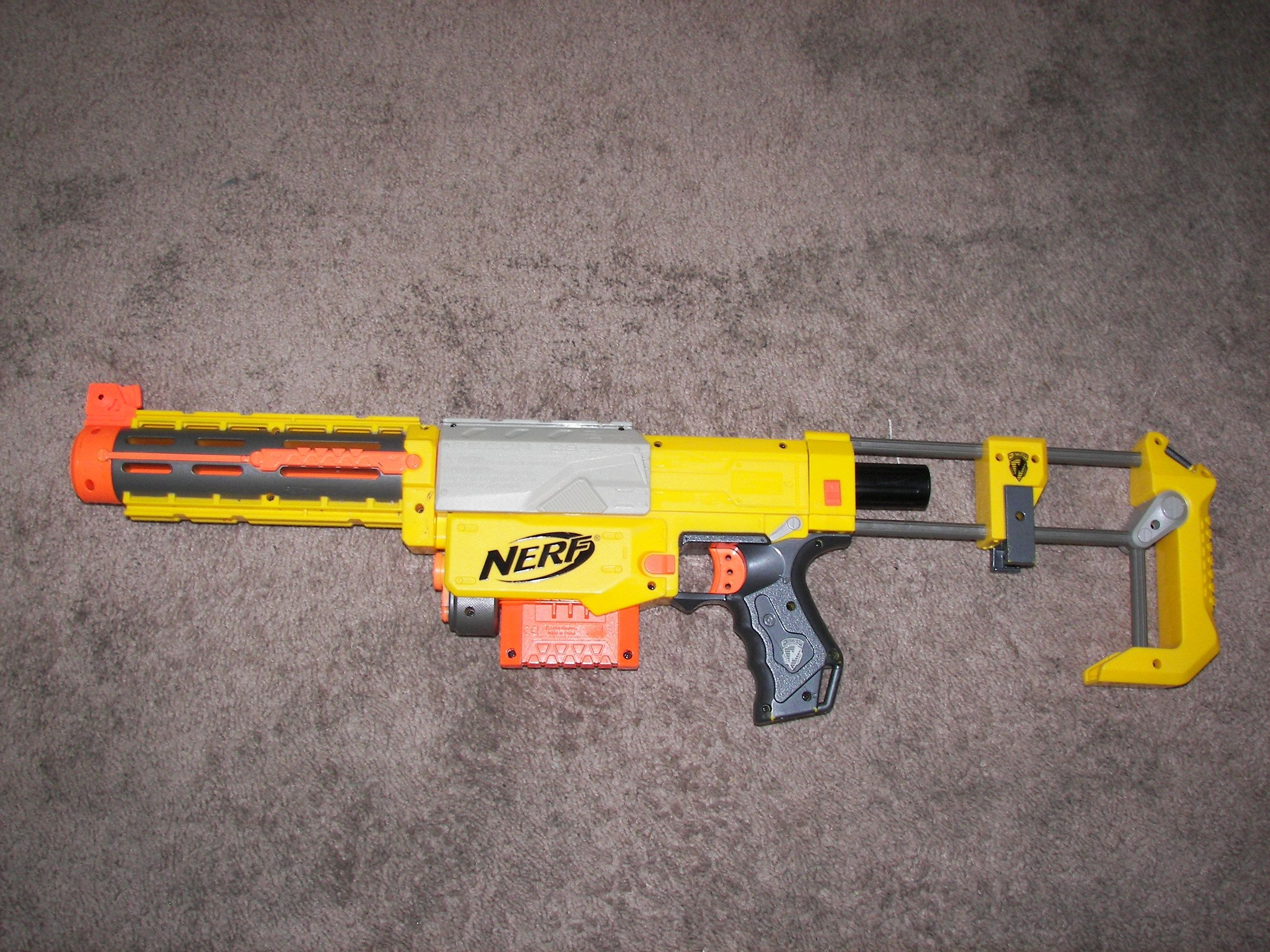 If anyone lives and flower mound and has nerf guns battle me and