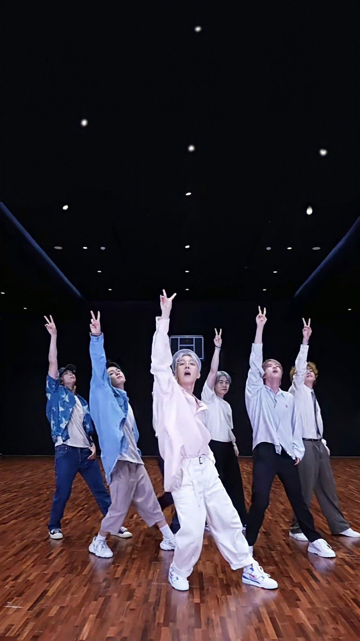 Choreography Bts Permission To Dance Dance Practice In 2021 Foto Bts Bts Imagine Bts Boys Bts wallpaper 2021 permission to dance