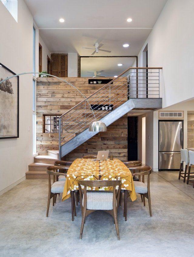 wandgestaltung holzdielen essbereich stahltreppe Treppe