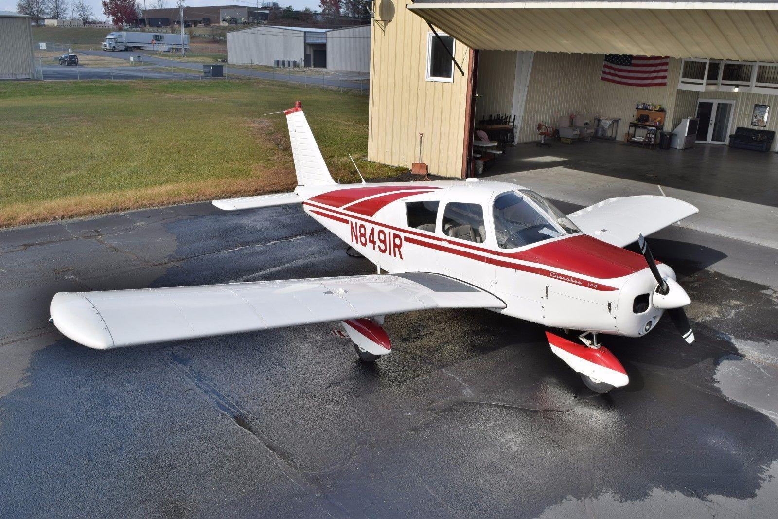 1966 Piper Cherokee 140 Aviao