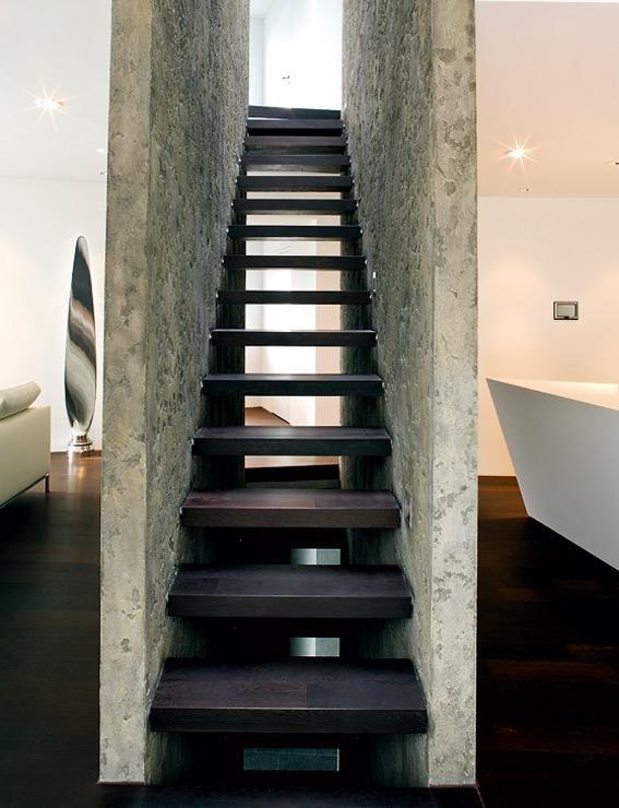 treppen in architektenhäusern: gerahmte treppe | rahmen, dunkles, Moderne