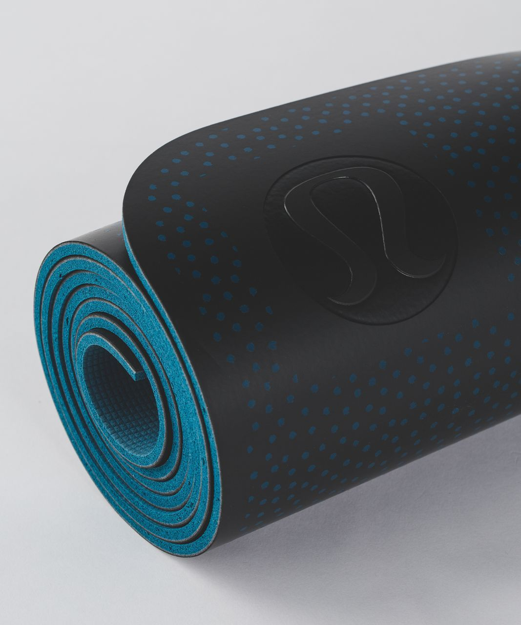 3mm vs 5mm Yoga Mat! Which one is the best ideal yoga mat thickness you  should pick! Click here now to learn more how thick should a yoga mat be  and. 816ca188fd866