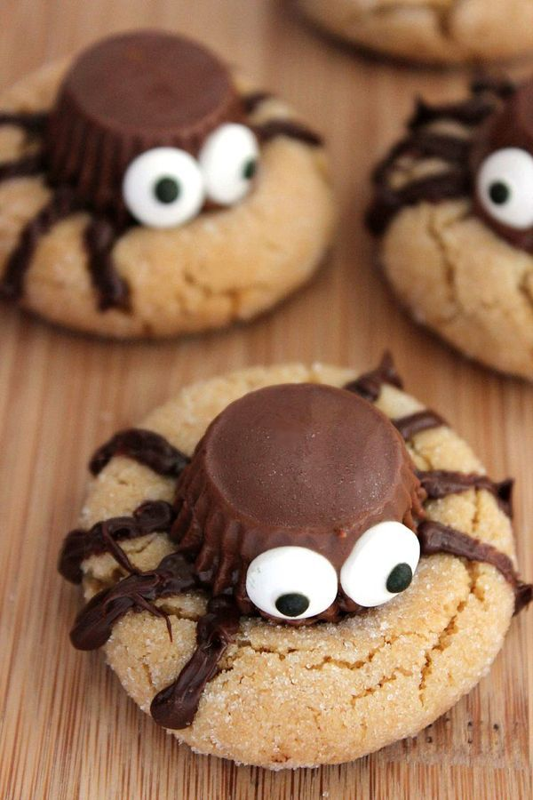 halloween peanut butter spider cookies easy to make recipe with chocolate peanut butter cups and edible candy eyes perfect halloween party food