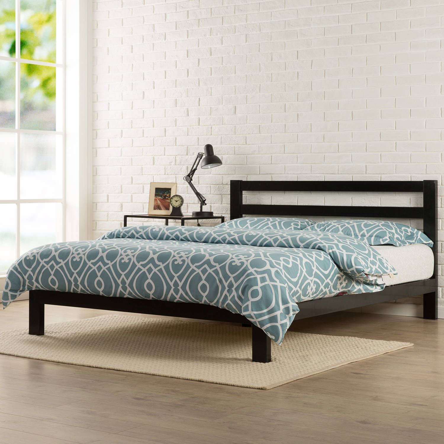 bed htm metal platform p