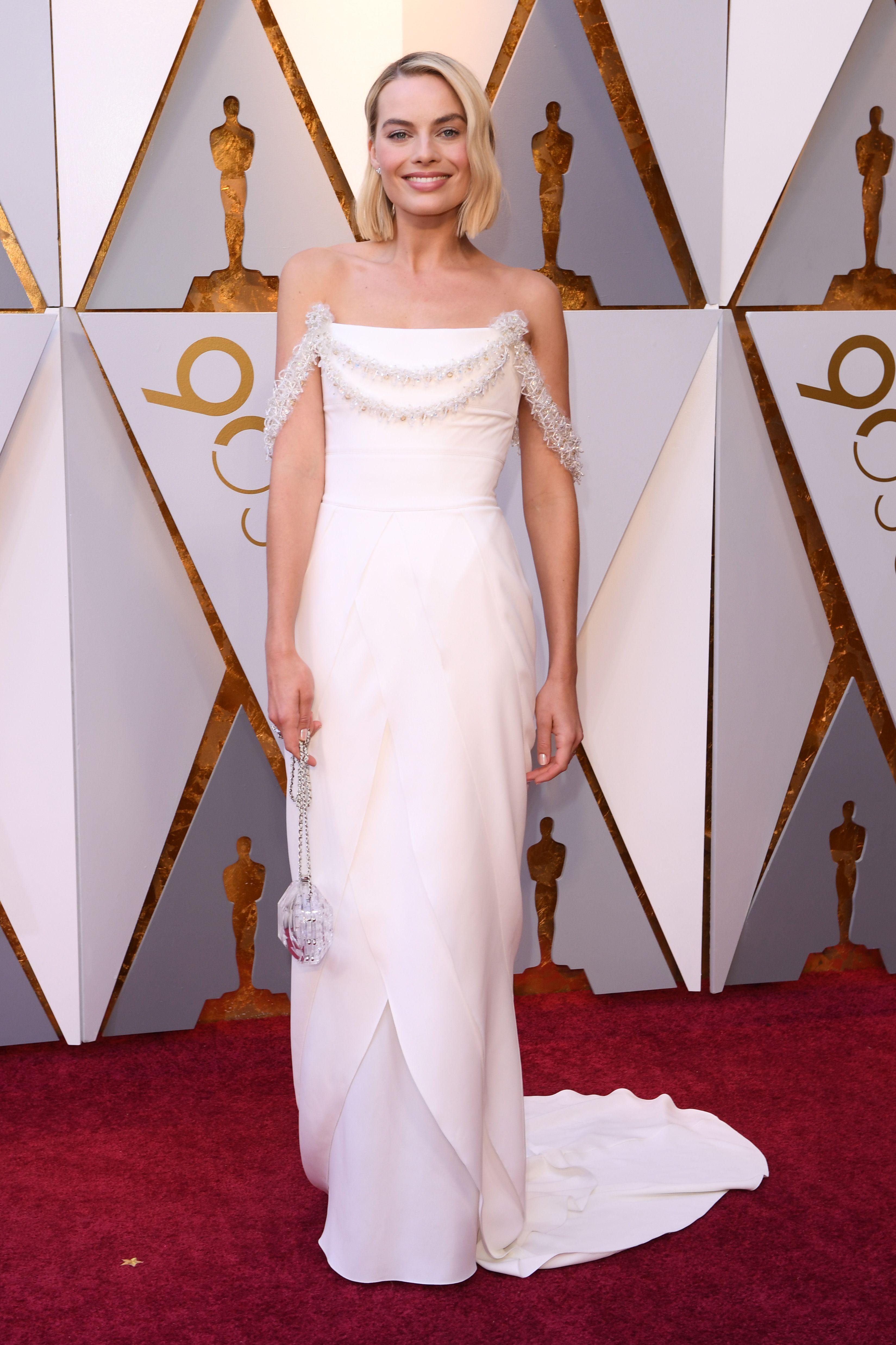 0b8151d3295 Oscars 2018 Red Carpet  Margot Robbie at the 2018 Academy Awards