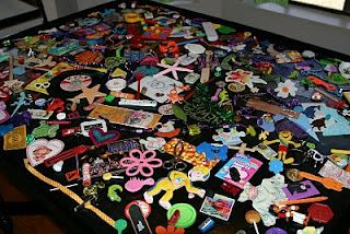 I-Spy Kiddie Table..pretty awesome and easy! :) Definitely want to try this!
