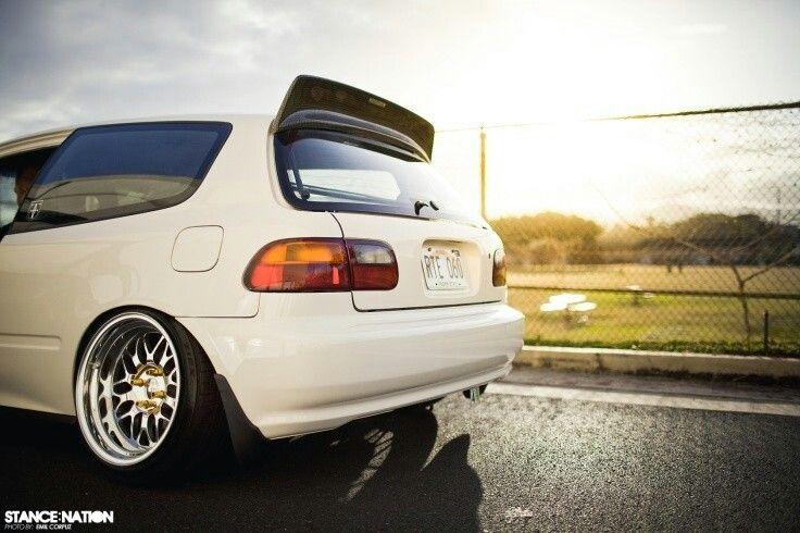 Slammed Fitted Stanced Honda Civic EG Hatchback Cars