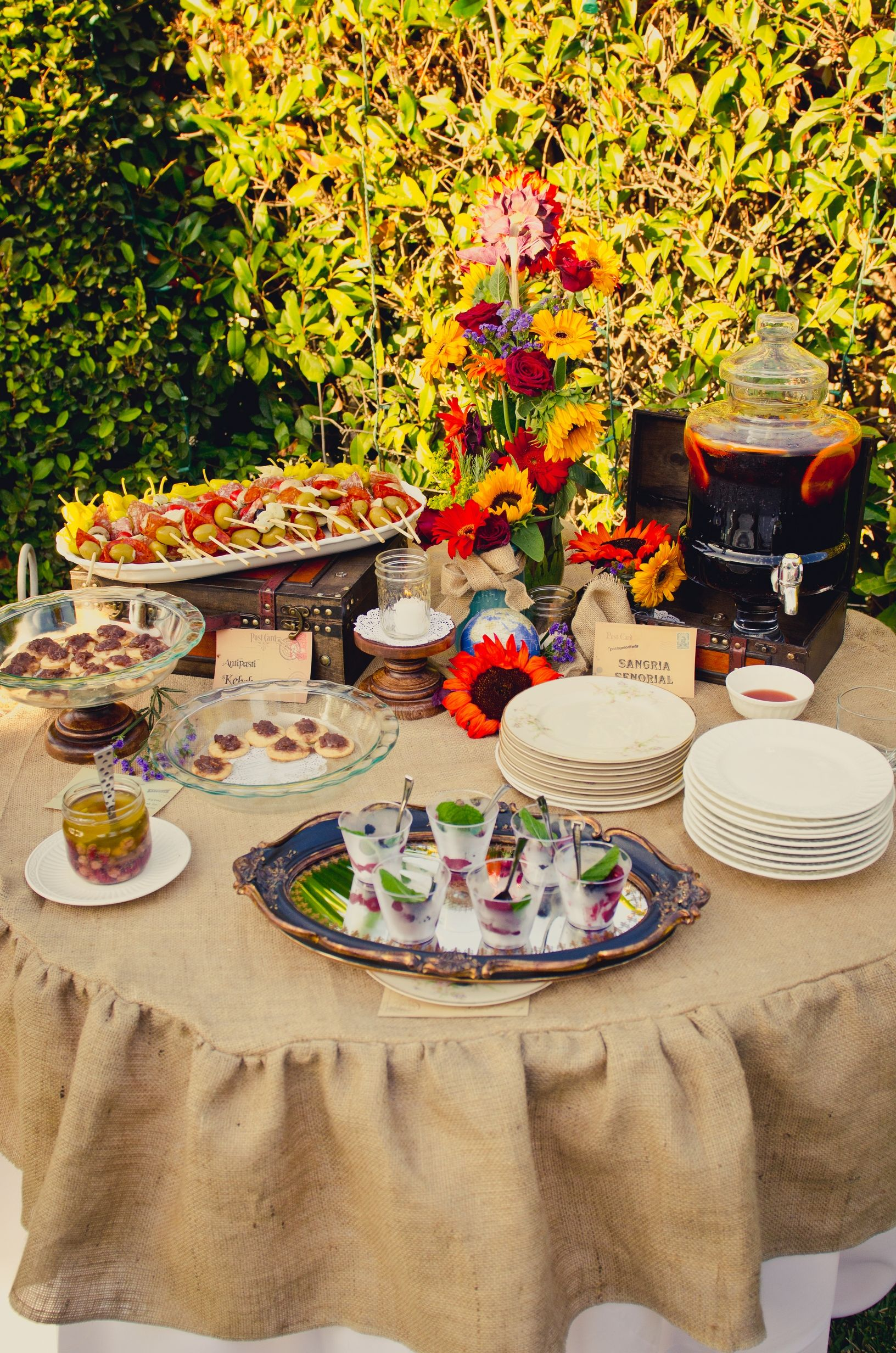 Vintage Tuscan Party...love The Burlap Tablecloth!