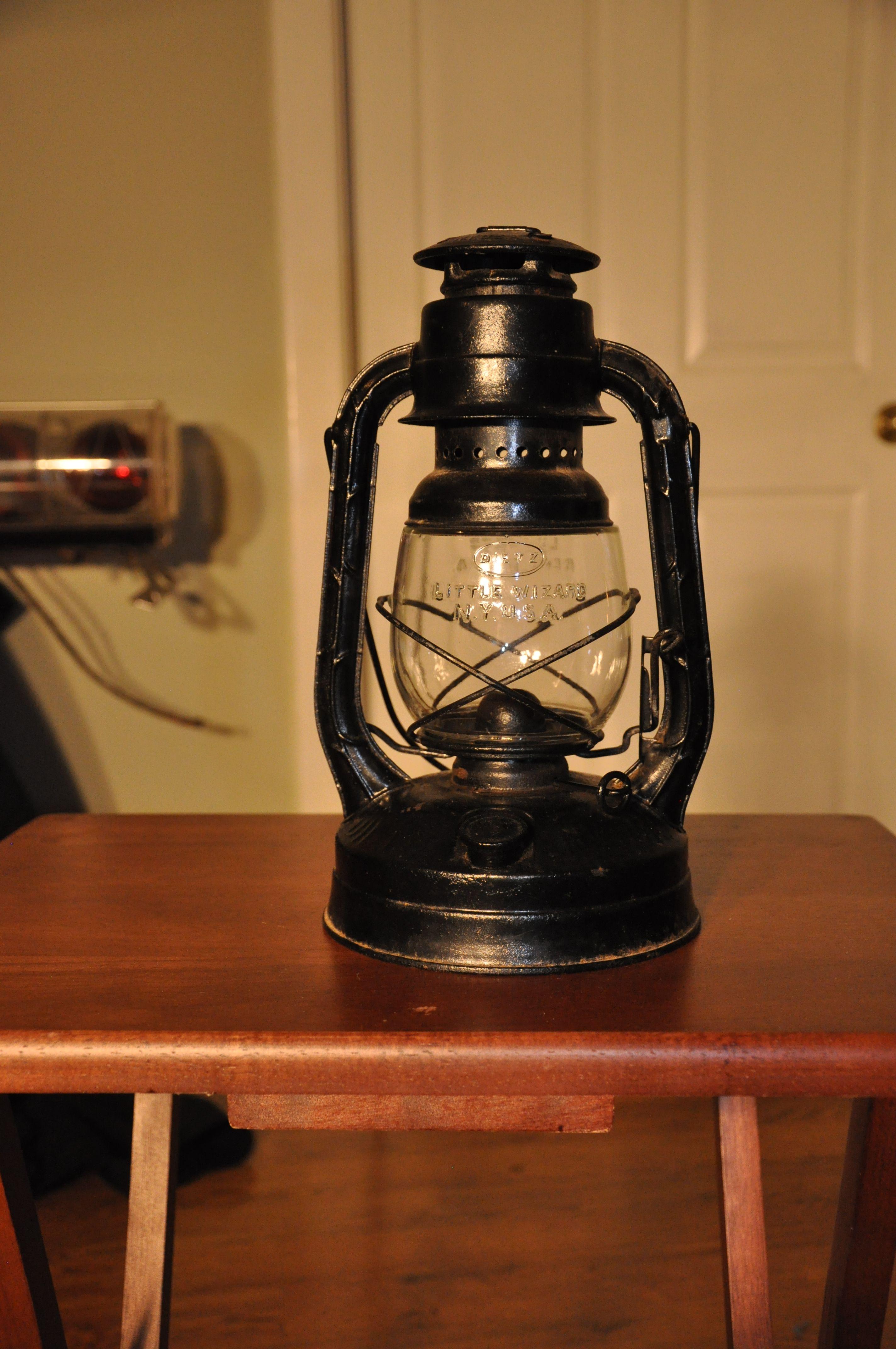 1950 S Dietz Little Wizard Streamlined Old Lanterns Oil